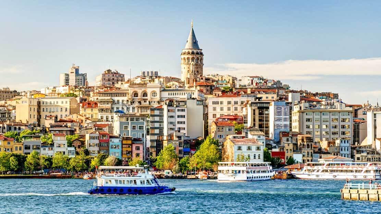 مجری تور استانبول